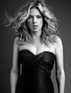 "Grammy Award-winning Canadian jazz pianist, singer and Verve recording artist, Diana Krall, landed at on the Billboard 200 with her latest album ""Quiet Diana Krall, Montreux Jazz Festival, Julie London, Smooth Jazz, Jazz Musicians, Female Singers, Celebs, Celebrities, Music Songs"