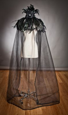 Items similar to Custom listing One size Black Cape High feather collared with black rose trim tulle and lace Cape Perfect for Halloween on Etsy Halloween Kostüm, Halloween Costumes, Crow Costume, Black Lace Choker, Fantasias Halloween, Black Cape, Black Feathers, Rooster Feathers, Feather Dress
