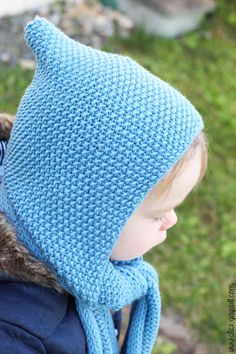 Scarf-hood for a child to knitting. There by alice gerfault Alice, Knit Crochet, Crochet Hats, Beret, Knitted Hats, Winter Hats, Couture, Sewing, Knitting