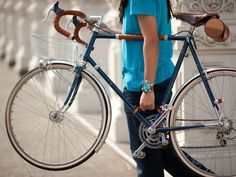 Bicycle Frame Handle by Walnut Studiolo, via Kickstarter (fund them!), what an awesome idea, and great for bike commuting
