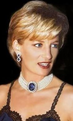 1996, Galliano dress, 6 strand pearl and sapphire choker.