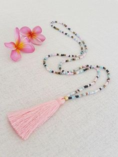 Long glass bead tassel necklace with a pink by Brightnewpenny. visit us on Etsy to see our full range if colorful tassel necklaces Beaded Tassel Necklace, Tassel Jewelry, Diy Necklace, Diy Jewelry, Beaded Jewelry, Jewelery, Handmade Jewelry, Jewelry Design, Jewelry Making