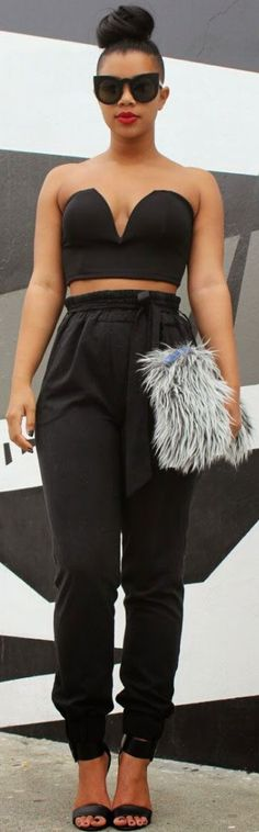 She Recycles Fashion: Edgy Crop Top + High Waisted Black Trousers Carmen Alexandra High Waisted Black Trousers, High Waisted Pencil Skirt, High Waist Jeans, Cropped Trousers, Uk Fashion, Star Fashion, Girl Fashion, Fashion Edgy, Fashion Outfits