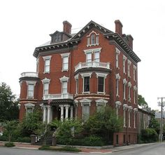 Historic homes in Savannah