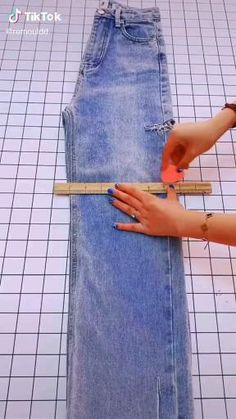 Sewing Lessons, Sewing Hacks, Sewing Tutorials, Easy Sewing Projects, Sewing Patterns, Diy Clothes Life Hacks, Diy Clothes Videos, Clothing Hacks, Fashion Sewing