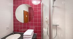 Badezimmer im B&B Hotel Hannover-Garbsen