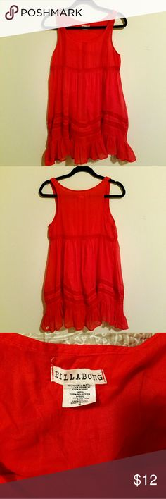 Billabong dress Such a cute dress for any occasion! Great condition! Billabong  Dresses Midi