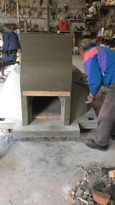 Clay Pizza Oven, Barbecue, Balinese Garden, Diy Play Kitchen, Four A Pizza, Kitchen Fixtures, Outdoor Projects, Sustainable Living, Kitchen Furniture