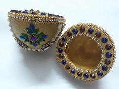Diy Wall Art, Wall Art Decor, Wedding Crafts, Wedding Decorations, Decorative Items, Decorative Bowls, Coconut Decoration, Diwali Craft, Paper Crafts