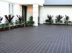 Decorative Concrete Resurfacing|Commercial Gold Coast Concreters: Professional Gold Coast based commercial concreters are available to visit your home for decorative concrete resurfacing solutions. Call them at 0447 766 773.