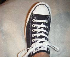 911ef595f007 This will be a tutorial on Another way to Bar Lace your shoes from.. Lace  Converse ...