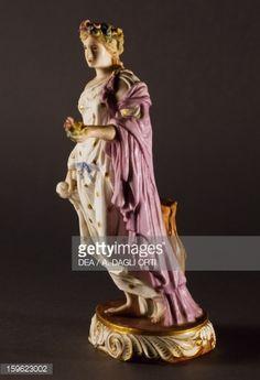 Photo : Depiction of Flora, circa 1770, polychrome porcelain, Meissen manufacture, Saxony, Germany, 18th century