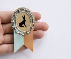 Silhouette Prize Brooch by Louloudo