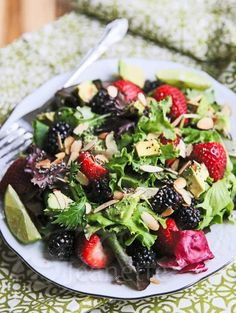 Power Berry Avocado Almond Chia Salad Recipe - Jeanette's Healthy Living this site has many wonderful recipes-YUM Pear And Blue Cheese Salad, Goat Cheese Salad, Quinoa, Power Salad, Clean Eating, Healthy Eating, Cooking Recipes, Healthy Recipes, Free Recipes