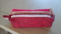 Trousse Zip-Zip bicolore cousue par Des petites mains de Val - Simili dragon rose - Patron couture Sacôtin