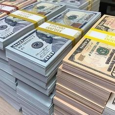 Money From Home, Make Money Online, How To Make Money, Fake Money Printable, Indian Philosophy, Dollar Money, Money Pictures, Money Stacks, Gold Money