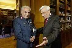 Ανοικτή Επιστολή προς τον Αρχηγό της Ελληνικής Αστυνομίας Double Breasted Suit, Suit Jacket, Suits, Jackets, Fashion, Great Britan, Down Jackets, Moda, Fashion Styles