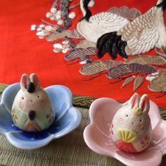 Japanese Rice Cake, Life On The Moon, Hina Matsuri, Rabbit Life, Japanese Folklore, Rice Cakes, Paper Dolls, Charity, Snowman