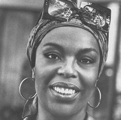 """Roberta Flack - Unsung Musical genius II - check out her early stuff - """"Hey That's No way to say goodbye"""" """"Sunday & Sister Jones"""" """"Los Angelitos Negros"""" to name a few. Music Icon, Soul Music, My Music, Turbans, Roberta Flack, Christmas Albums, African American History, Motown, Female Singers"""