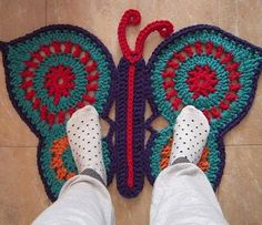 Interessante ideeën voor decor: Вяжем коврик бабочка. Haak Butterfly tapijt.