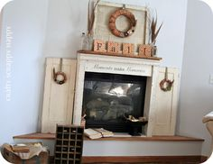 LOVE this site! Fall mantle inspiration.