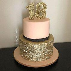 14th Birthday Cakes, Birthday Cake Roses, Sweet 16 Birthday Cake, Beautiful Birthday Cakes, Birthday Cakes For Women, Golden Birthday, Beautiful Cakes, Geek Birthday, Sweet 16 Cupcakes