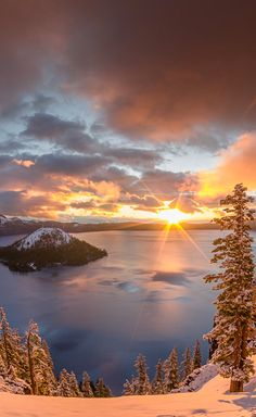 Crater Lake sunrise in southern Oregon • photo: Greg Nyquist on FineArtAmerica* #nature