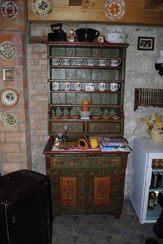 Painted furniture in Torockó dwelling Shelving Decor, Kitchen Shelf Decor, Kitchen Shelves, Hungary History, Bohemian House, Down On The Farm, Homeland, Country Living, Painted Furniture