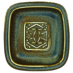 Ceramic tray designed by Gunnar Nylund, produced by Rörstrand in Sweden.
