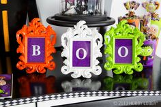 Can you picture your idea of the perfect Halloween get together? Well, our frames can make your idea of picture perfection a lot easier!