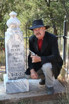 "See: History , Doc's ""Grave"" on Tombstone Arizona, Wyatt Earp, Old West, Cowboy Hats, History, Historia"