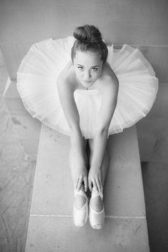 Senior Portrait / Photo / Picture Idea - Girls - Dance / Dancer - Ballet…