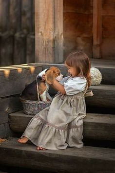 So cute ❤️ Dogs And Kids, Animals For Kids, Animals And Pets, Baby Animals, Cute Animals, Cute Kids Pics, Cute Pictures, Beautiful Children, Beautiful Babies