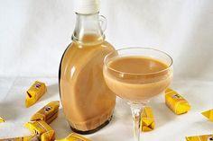 Muh-Muh Likör von kathiii4 | Chefkoch Alcoholic Drinks, Cocktails, Schnapps, Hurricane Glass, Punch Bowls, Honey, Cooking, Tableware, Desserts