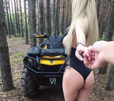 The perfect girl Hors Route, Wrangler Accessories, Body Picture, Trucks And Girls, Mini Bike, Dirtbikes, Biker Girl, Beauty Women, Pure Beauty