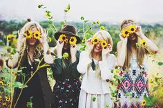 day out in the meadow with your besties and you see the sunflowers and think of this cute picture idea! Best Friend Pictures, Friend Photos, Roommate Pictures, Cute Photos, Cute Pictures, Besties, Bestfriends, Good Vibe, Look Girl