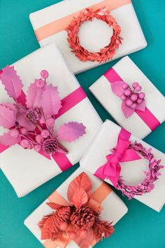 """It's day 6 of Days of Wrapping"""" and these DIY monochromatic gift toppers might be one of my favorite wrapping idea to date! They take the traditional and give it a colorful twist! Wrapping Ideas, Wrapping Gift, Creative Gift Wrapping, Christmas Gift Wrapping, Creative Gifts, Christmas Crafts To Make, Decoration Christmas, Diy Christmas Ornaments, Simple Christmas"""