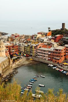 Exploring the Colorful Town of Vernazza Cinque Terre Italy - A Photographer's Paradise // localadventurer.com
