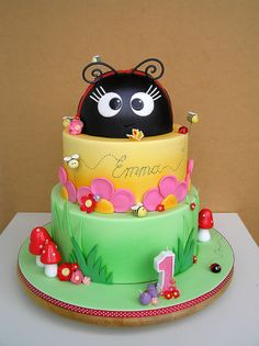 Lady Bug Cake  |Pinned from PinTo for iPad|