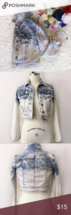 Crop Denim Jacket Ombré Blue  ♀️ -Summer\Spring Denim Jacket  -Size Junior Small -Ombre Light Blue Denim Jackets & Coats Jean Jackets