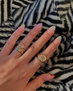 In look for some nail designs and ideas for your nails? Listed here is our list of must-try coffin acrylic nails for cool women. Cute Acrylic Nails, Cute Nails, Pretty Nails, Pastel Nail Art, Neon Nails, Minimalist Nails, Milky Nails, Nagellack Design, Costumes For Teens