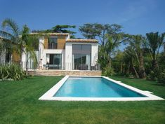 ImmoWatcher Real estate apartments - houses - villas in and near Saint-Tropez for rent and sale. Nikki Beach, Rural House, Bungalow 5, Brick Flooring, Saint Tropez, Pent House, Townhouse, Terrace, Swimming Pools