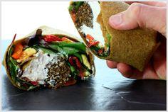 "Rohkost (Roh) Rezept vegan: Falafel und Hummus Wrap mit mediterranem Gemüse / raw recipe: Falafel & Hummus Wrap with Mediterranean ""Roasted"" Vegetables Raw Vegan Recipes, Vegan Foods, Vegetarian Recipes, Healthy Recipes, Vegan Lunches, Vegan Snacks, Vegan Dinners, Healthy Food, Raw Wraps"