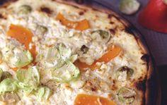 Flammkuchen mit Kürbis, Rosenkohl, Feta (vegetarisch)