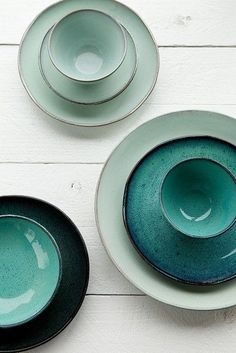 Celadon pottery, I love the blue-green color! I'd love a whole set of celadon dinnerware some day. Ceramic Plates, Ceramic Pottery, Ceramic Art, Ceramic Decor, Crockery Set, Kitchenware, Keramik Design, Deco Table, Stoneware