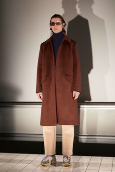 See the complete Acne Studios Fall 2017 Menswear collection.