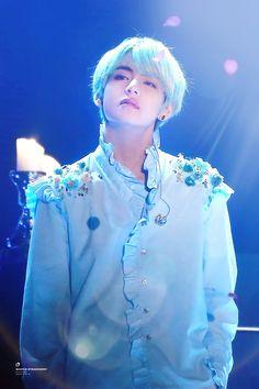 """archangel taehyung before and after he became a fallen angel bc of his sin: loving a mortal, jeon jungkook. Jimin, Bts Bangtan Boy, Jhope, Daegu, Bts Kim, Kim Namjoon, Steve Aoki, V Taehyung, Billboard Music Awards"