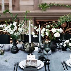 Who says a wedding needs to be all blush pink and florals? Event planner and floral designer #ChrisHessney joined forces with fellow New York City wedding vendors to create the sleek, stylish, gender-neutral tables cape of our dreams. #marthaweddings
