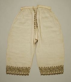 16th cent. Italian linen, silk, and metal thread trousers - Met Museum 10.124.4