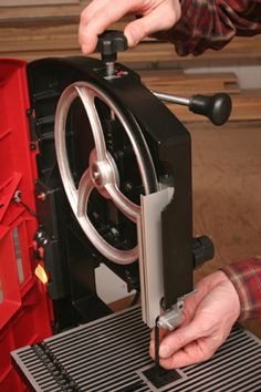 Tuning Up a Benchtop Band Saw | Article | Woodworking